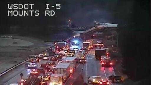 Bundesstaat Washington: Zug stürzt von Brücke